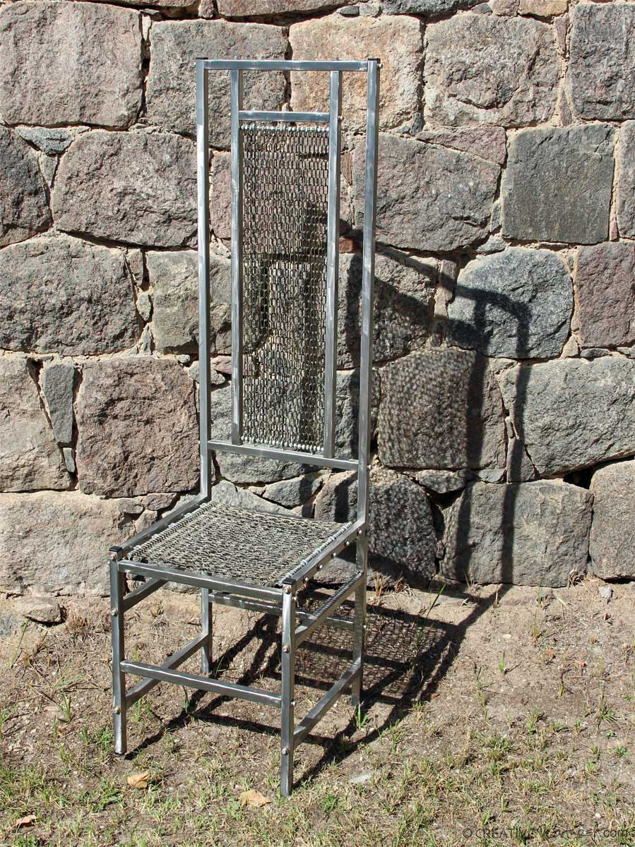 Kettenstuhl, aus Stahl, mit Kettenbespannung